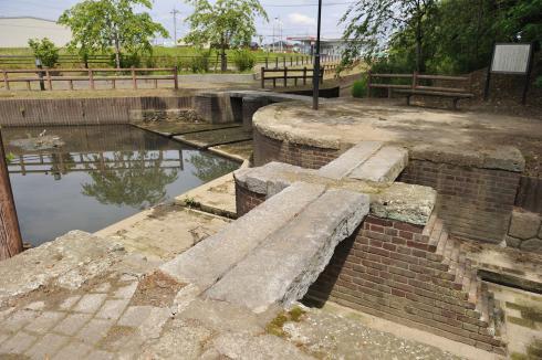 江連用水宮裏両樋の上からの様子