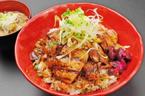 茨城銘柄豚霜ふりハ-ブ豚使用 炙り豚丼