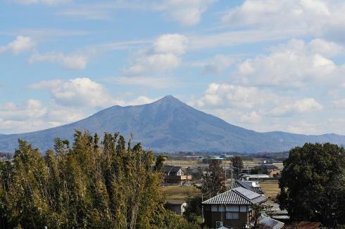 展望台より筑波山を望む