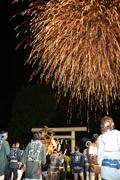 大町神輿宮入り大花火