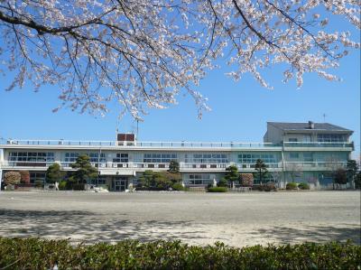 旧蚕飼小学校