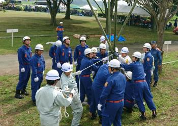 地域を守る消防団員が水防工法の習得