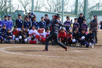 ビックカメラ女子ソフトボール高崎・ソフトボール教室