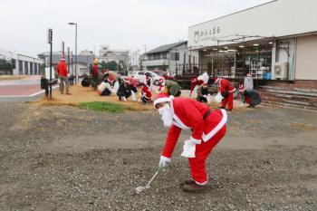 しもつま3高「100人サンタでごみ拾い」開催